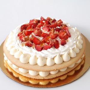 Cookies cake fresas con buttercream de almendras